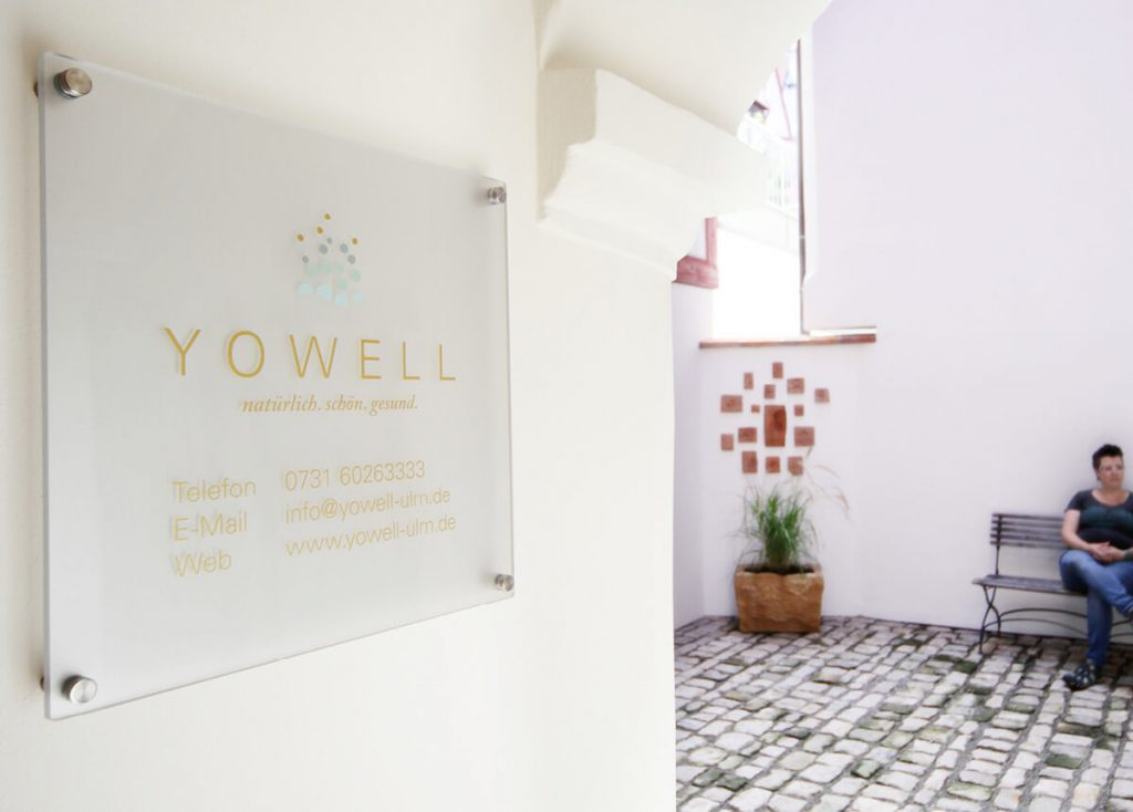 YWL_Oeffnungszeiten-Schild-Yowell-1200x860px4-1024x734